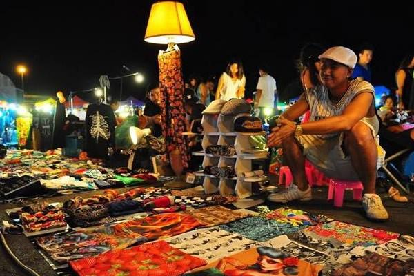 รวมตลาดกลางคืนสำหรับนักช็อปในกรุงเทพ